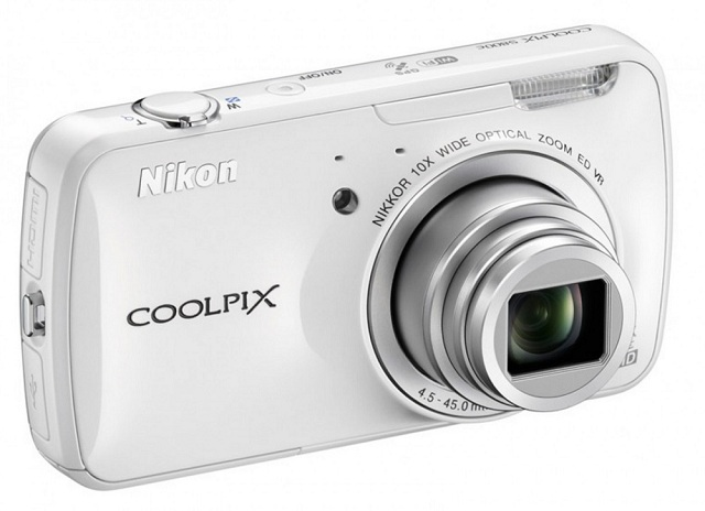 Nikon COOLPIX S800c Android Camera