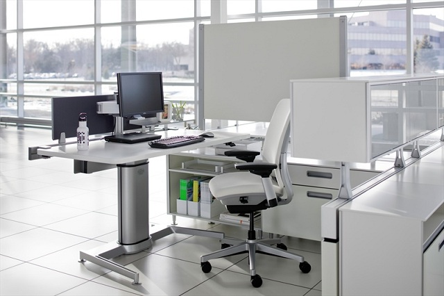 Steelcase Airtouch Height Adjustable Table