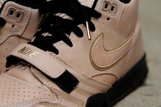 Nike Air Trainer 1 Mid Premium Vachetta Tan