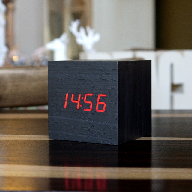 Gingko LED Cube Alarm Click Clock_1