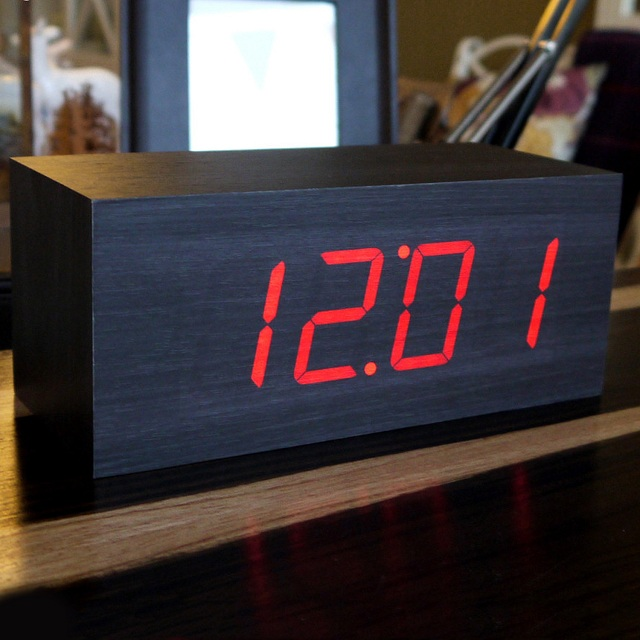 Gingko LED Large Alarm Click Clock_3