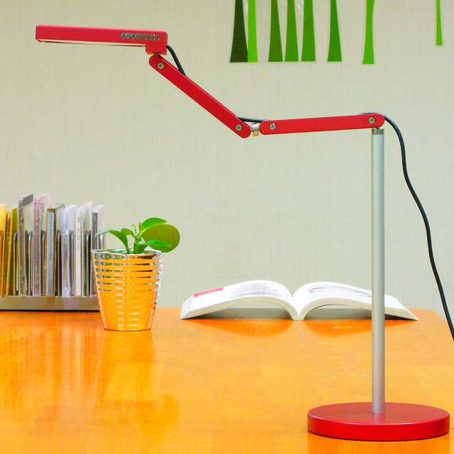 Toca Table Lamp by QisDesign for Square Walnut_2