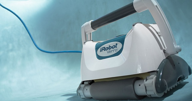 iRobot Verro 500 PowerScrub Pool-Cleaning Robot_2