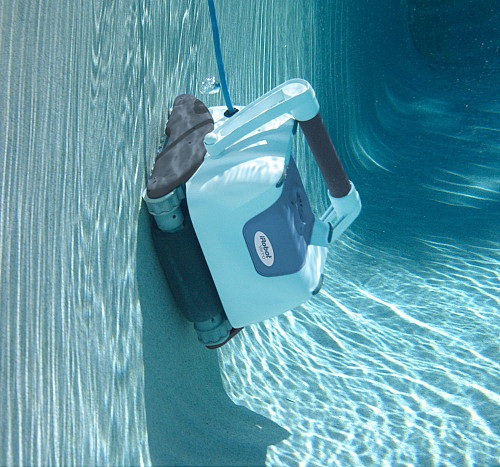iRobot Verro 500 PowerScrub Pool-Cleaning Robot_7