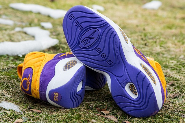 Sneakersnstuff x Reebok Question Mid The Crocus_9