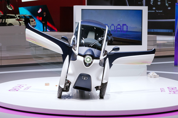 TOYOTA i-ROAD Electric Personal Mobility Vehicle_7