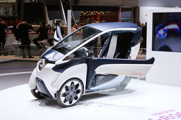 TOYOTA i-ROAD Electric Personal Mobility Vehicle_8