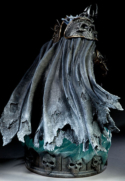 World of Warcraft Arthas Limited Edition Deluxe Statue_3