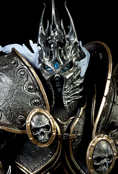 World of Warcraft Arthas Limited Edition Deluxe Statue_6