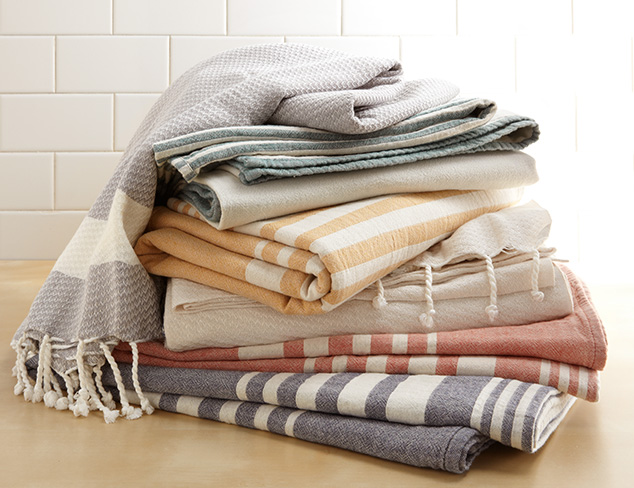 Cozy Classics: Blankets, Throws & More at MYHABIT