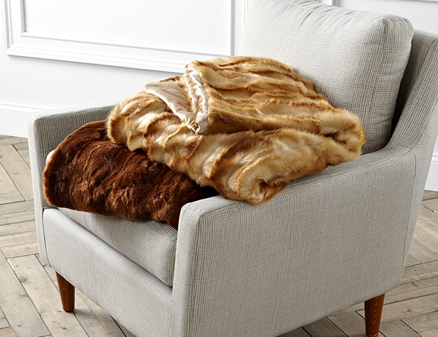 Snuggle Up: Blankets & Throws at MYHABIT