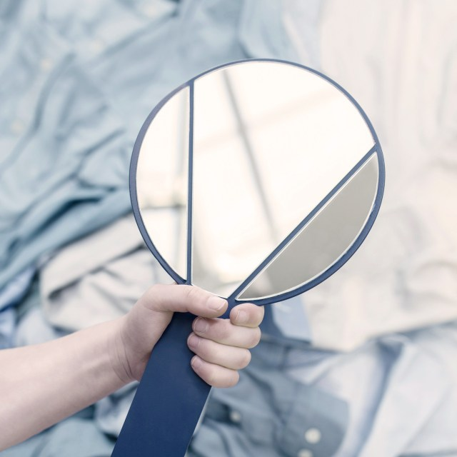 Ontwerpduo Split Mirror // Hand