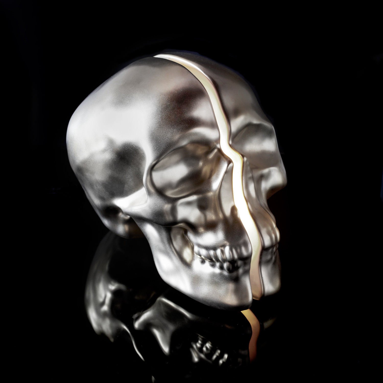 Vion Design Yorick Split Skull Lamp