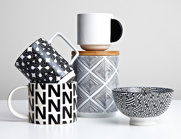 The Black & White Tabletop at MYHABIT