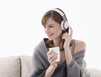 Aivvy Q: Self-learning Smart Headphone as Personal DJ