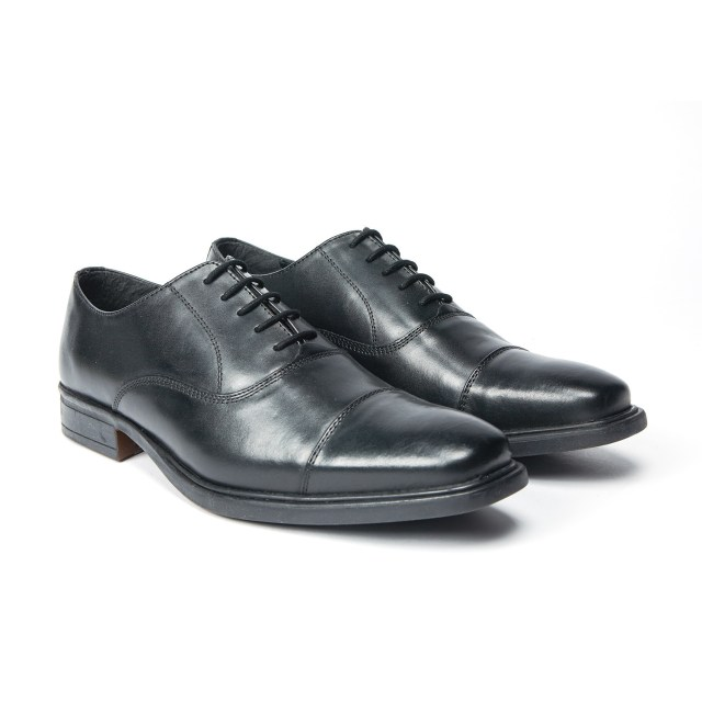 Redfoot Derby Toe Cap Oxford in Black