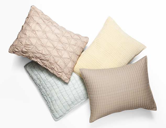 Up to 75% Off: Amity Home Bedding at MYHABIT