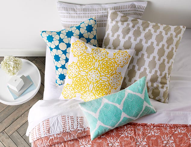 Up to 85% Off: Decorative Pillows at MYHABIT