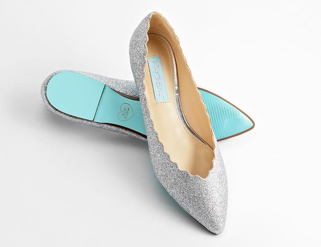 So Femme Flirty Pumps, Sandals & More at MYHABIT