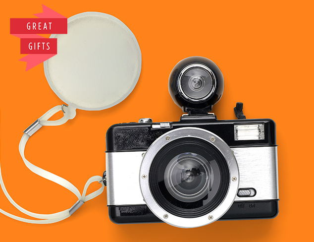Perfect Presents Lomography Cameras at MYHABIT