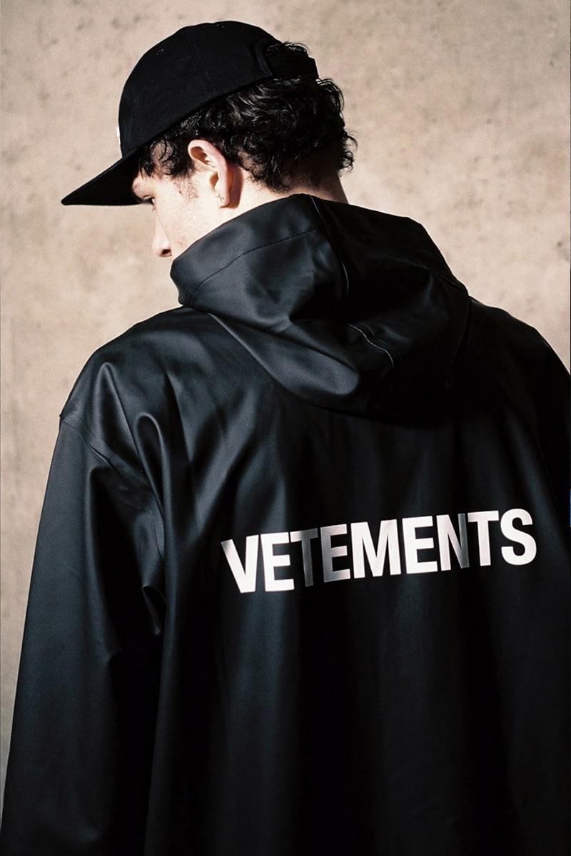 Vetements Logo Tech-Fabric Raincoat