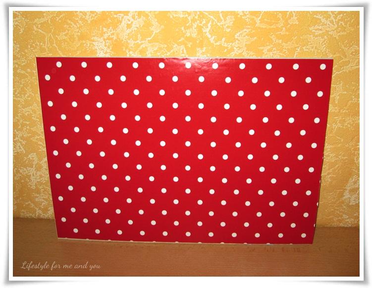 DIY_Spanplatte_Hintergrund_Untergrund_rot-mit-weißen-Punkten