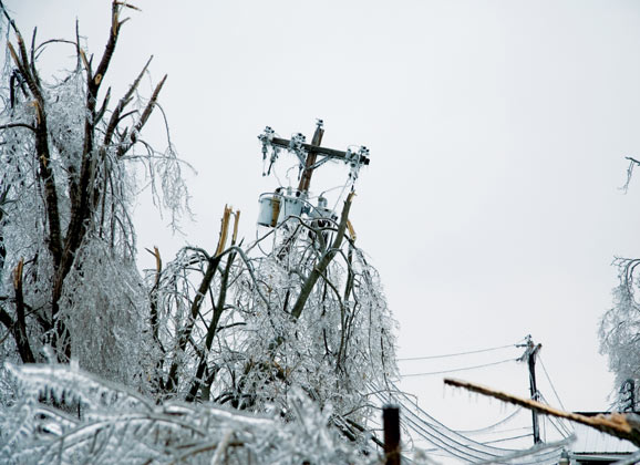 dangerous ice storm power outtage