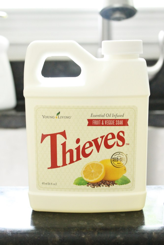 thieves fruit and veggie soak and spray