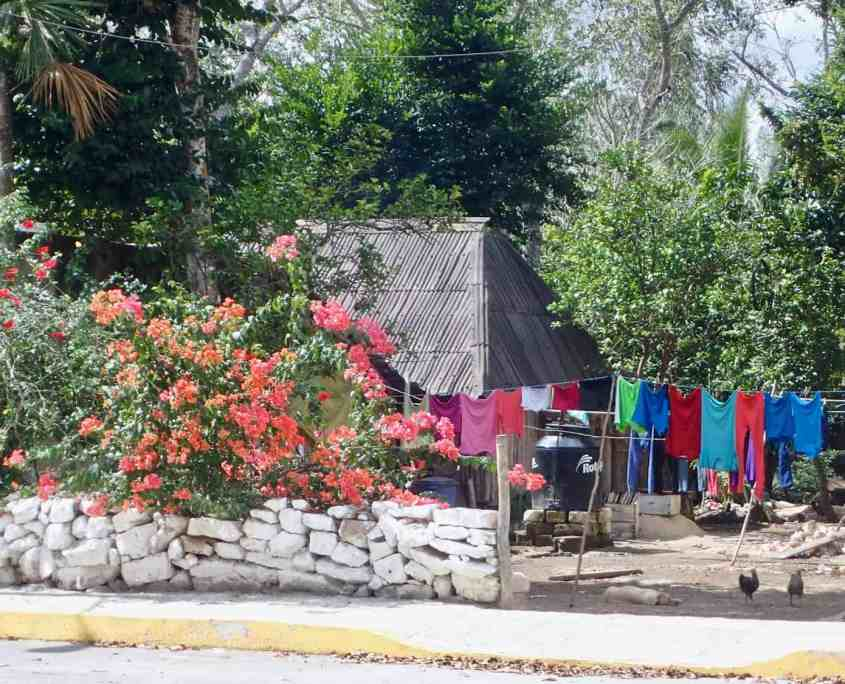 Just a normal day of bicycle touring - Impressions of a Mexican village
