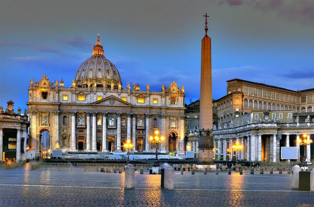 Piazza San Pietro- beautiful places in Rome, Italy