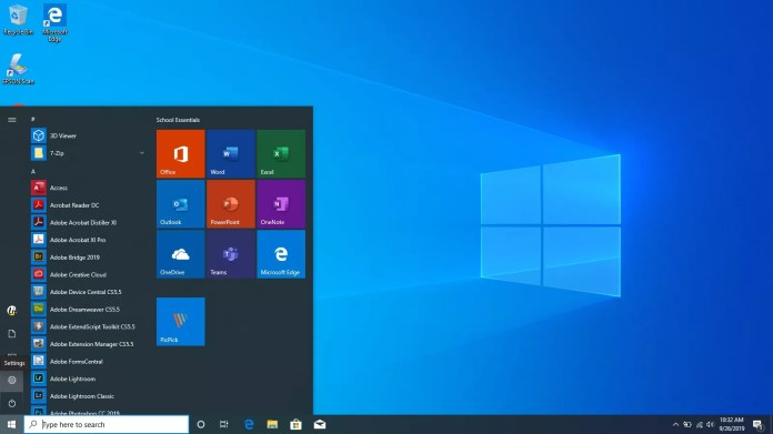 Selecting the Start button in Windows 10.