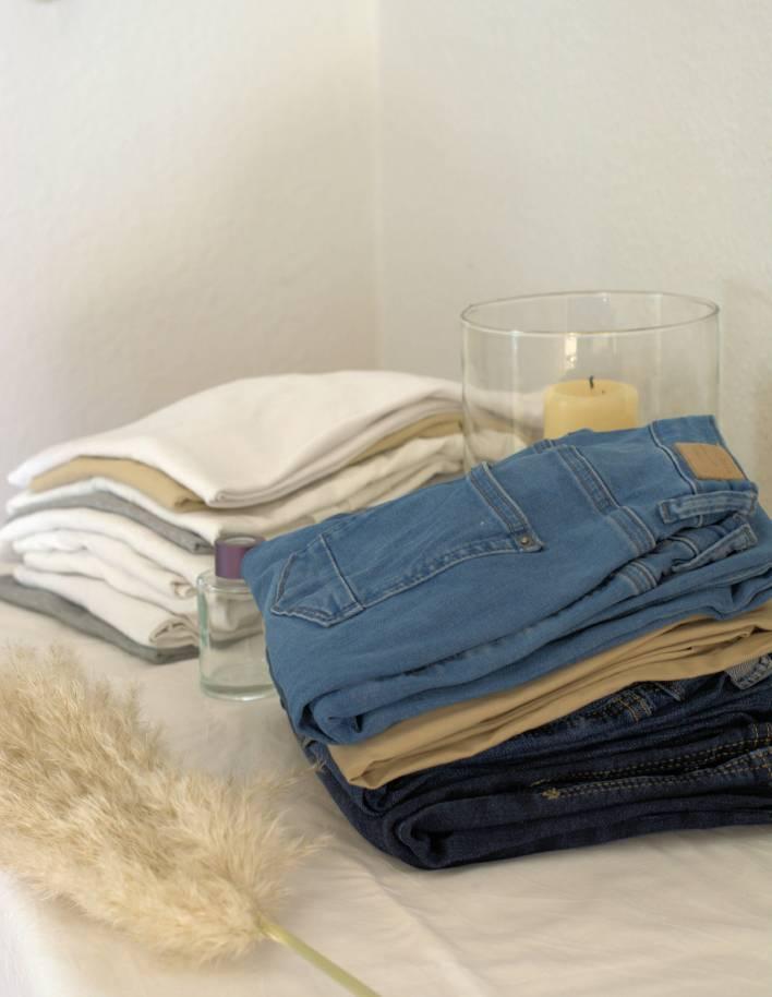 Kleiderschrank-ausmisten-mal-anders,wir-räumen-auf-Zuhause-bleiben,die-Zeit-nutzen