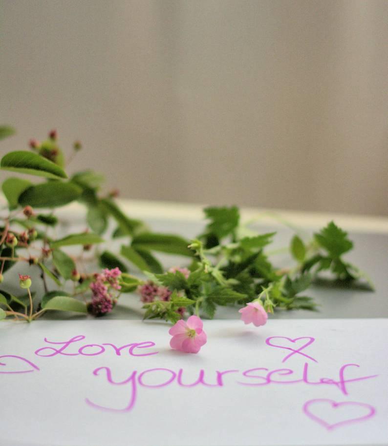 Selbstliebe-Love yourself-ü50-Tipps zur Selbstliebe
