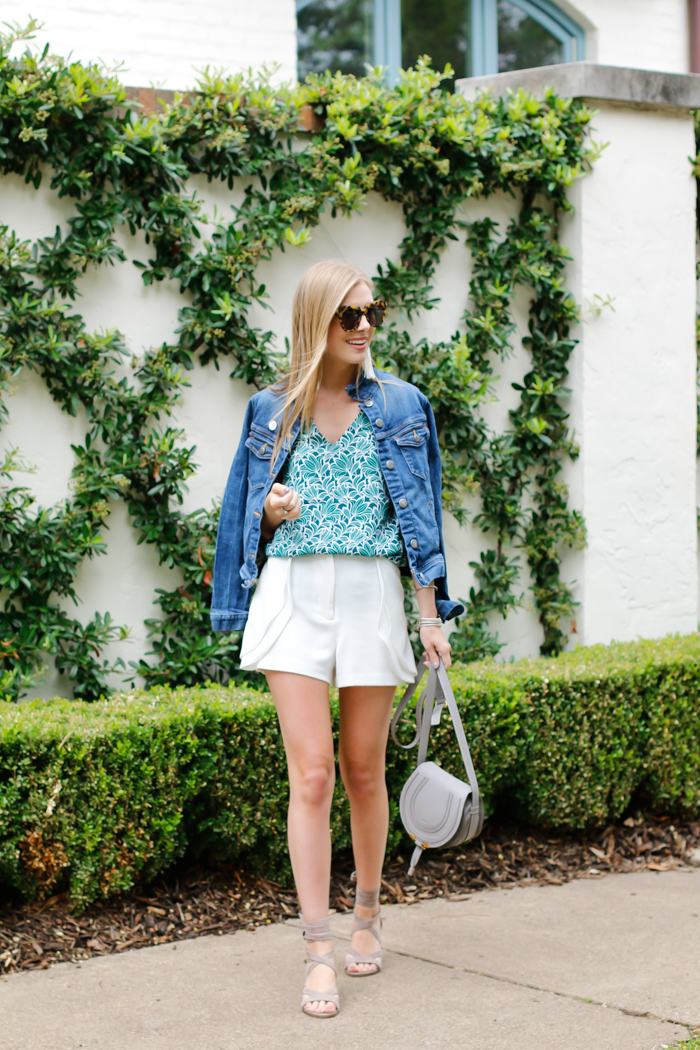 how to style white shorts