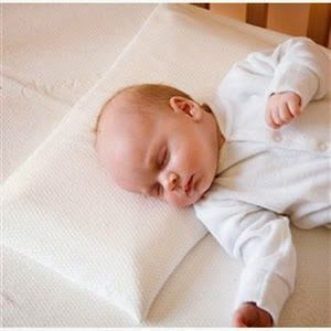 Baby pillows? The Do, Don'ts and When of Giving Your Baby a Pillow