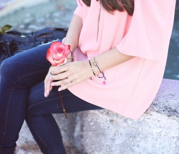 casual valentines day outfit idea pink cold shoulder top