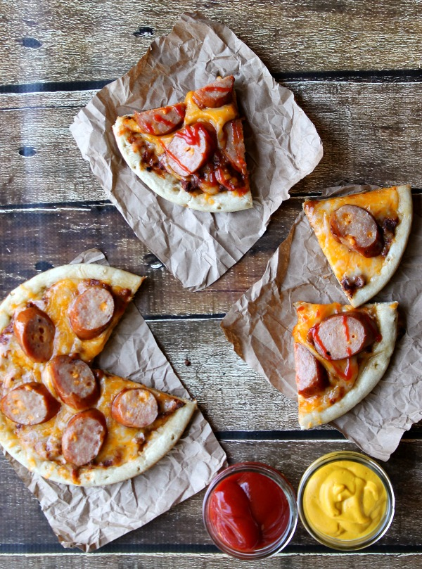 Grilled Chili Cheese Dog Pizzas #CollectiveBias #shop