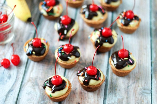 Banana Split Cheesecake Cookie Bites, yum!