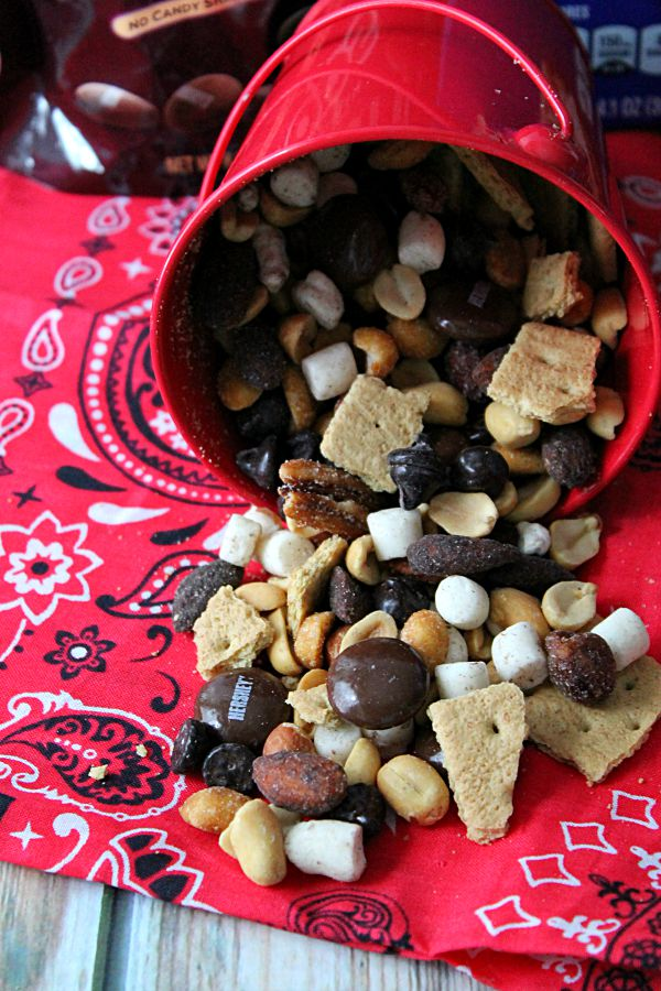 Yummy S'mores Trail Mix #LetsMakeSmores #CollectiveBias
