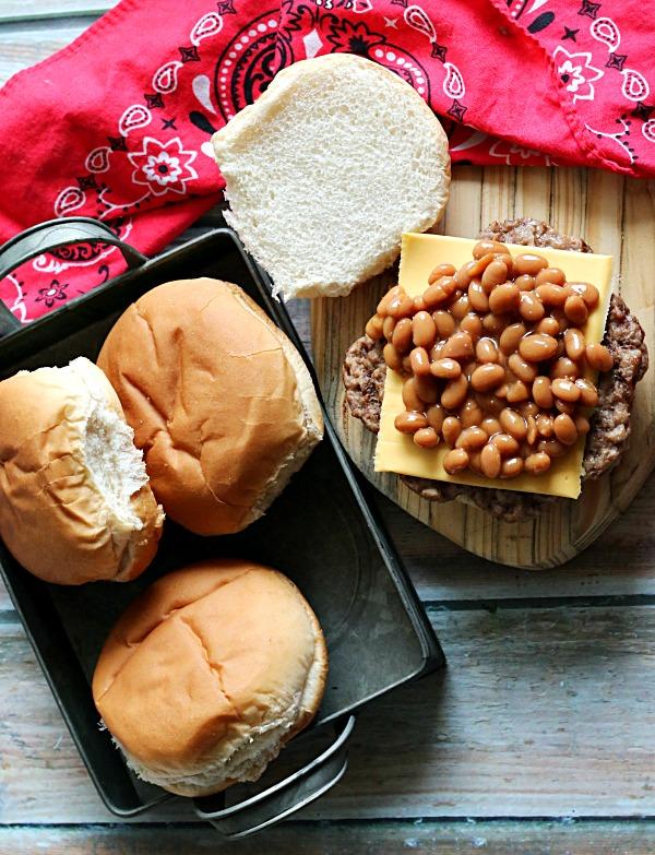 baked-bean-topped-burger