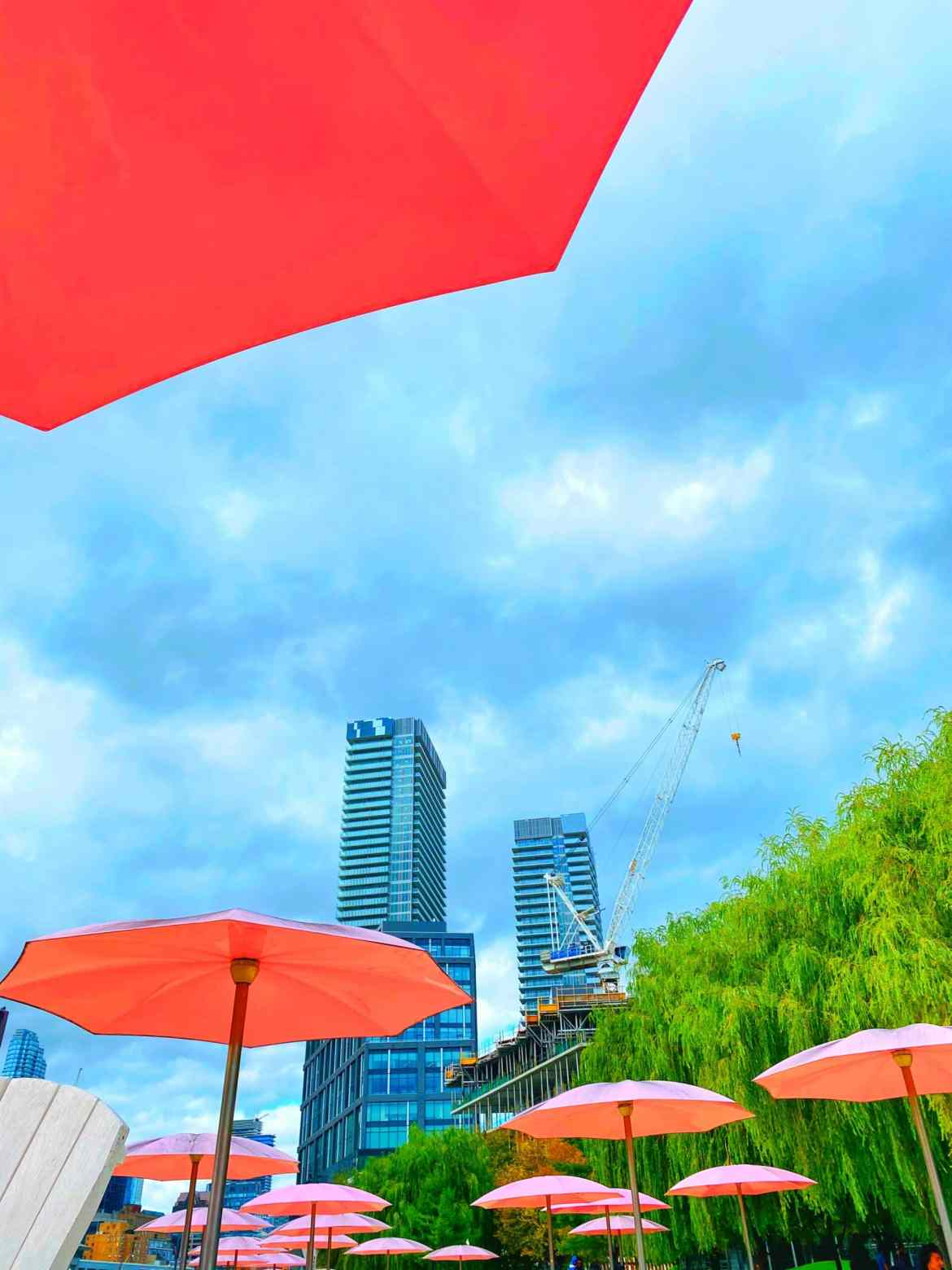 Sugar Beach – The cutest city beach in Toronto