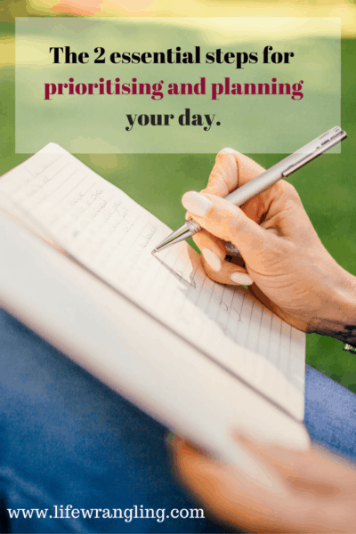 If you struggle to get to the bottom of your list of things to do, want to be more organised and feel less overwhelmed, try these two simple steps. http://www.lifewrangling.com/overwhelmed/