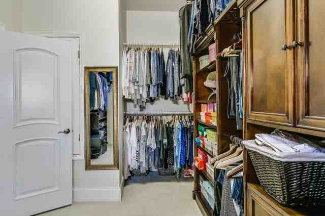 Declutter Fast: Decluttering Your Home Quickly and Easily 16