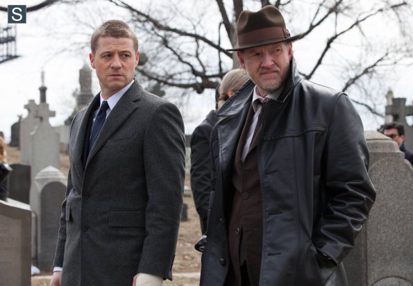 Gotham-S01E01-06