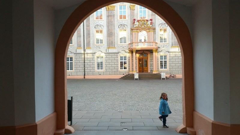 Castelo de Ettlingen Alemanha - Entrada do pátio do castelo