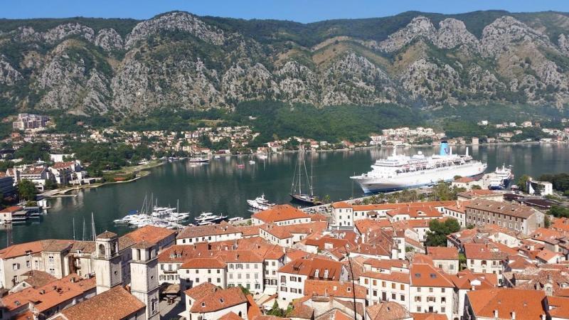 Kotor Montenegro - Vista da cidade e da baía de Kotor