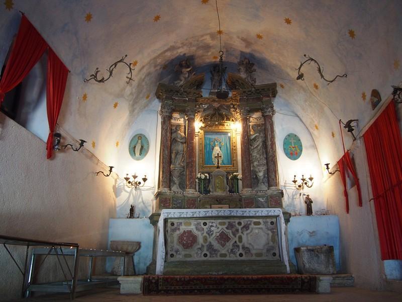 Kotor Montenegro - Caminhando pela muralha antiga de Kotor e igreja da Nossa Senhora da Saúde