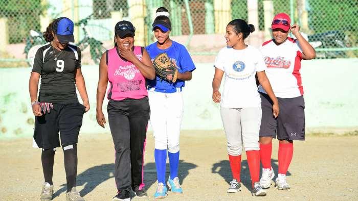 """Chica Power"" del béisbol dominicano"