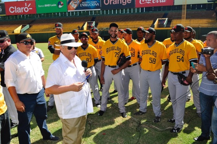 Llenas exhorta jugadores a respetar el juego y uniforme de las Águilas