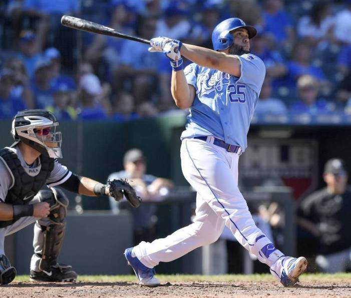 Kendrys Morales dispara su hit 1,000